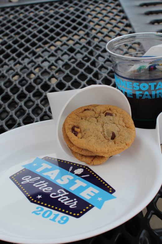 Taste of the Fair drink n plate with cookies and soda